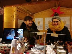 Weihnachtsmarkt - Unser fleißiges Team (2/2)